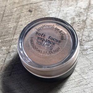 Bare Minerals Soft Focus Eyeshadow in Explore